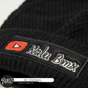 Rules pletena kapa sa vezenim prisivacem po zahtevu klijenta