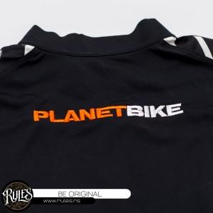 Usluga veza na biciklističkoj majici
